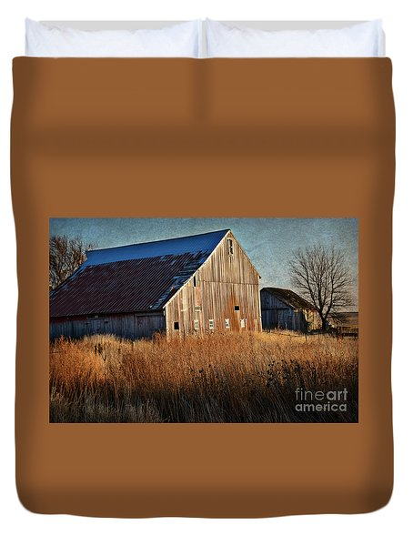 Beautiful Barn In Autumn  Duvet Cover