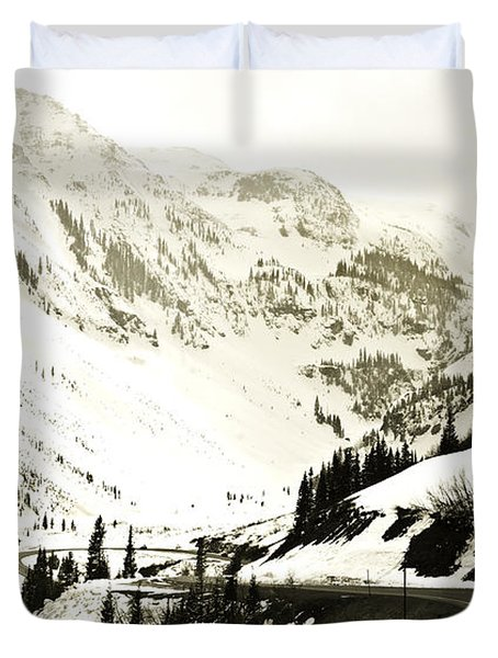 Beautiful Curving Drive Through The Mountains Duvet Cover by Marilyn Hunt