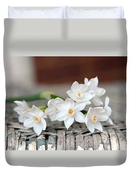 Beautiful Spring Paperwhites Duvet Cover