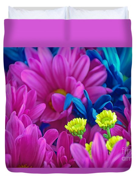 Beauty Among Beauty Duvet Cover by Ray Shrewsberry