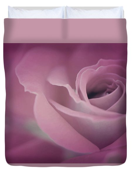 Beauty Duvet Cover by The Art Of Marilyn Ridoutt-Greene