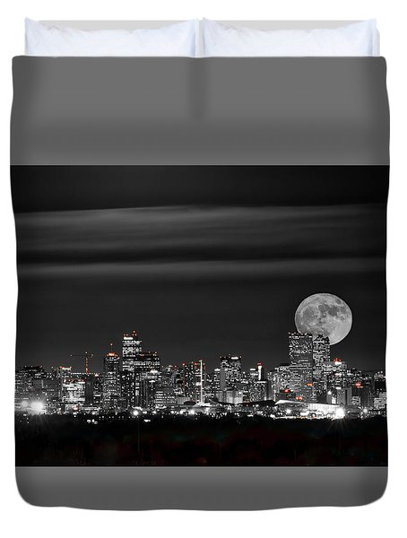 Beaver Moonrise In B And W Duvet Cover