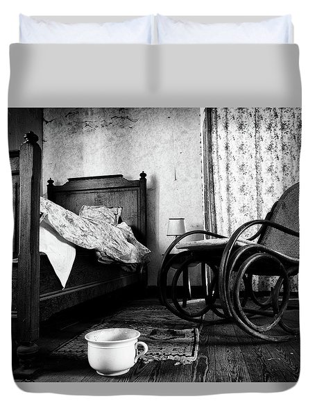 Duvet Cover featuring the photograph Bed Room Rocking Chair - Abandoned Building Bw by Dirk Ercken