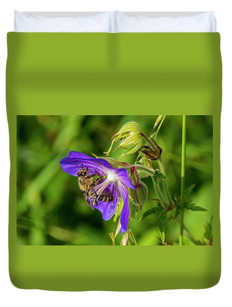 Bee At Work Duvet Cover