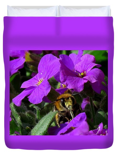 Bee Feeding On Purple Flower Duvet Cover