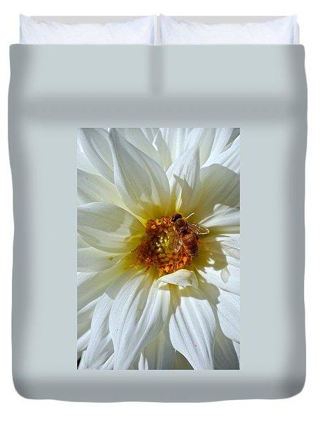 Bee Nice Dahlia  Duvet Cover