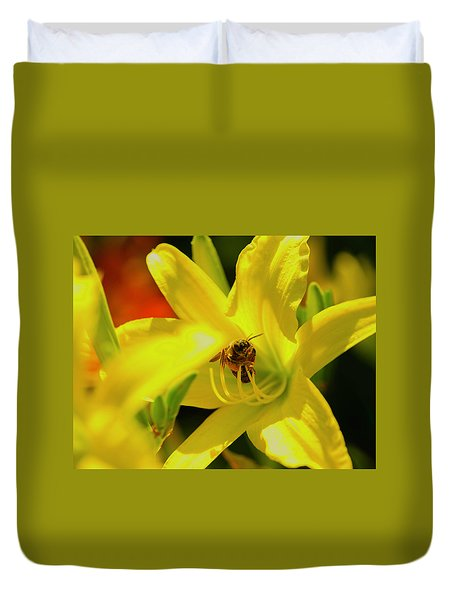 Bee On Yellow Lilly Duvet Cover