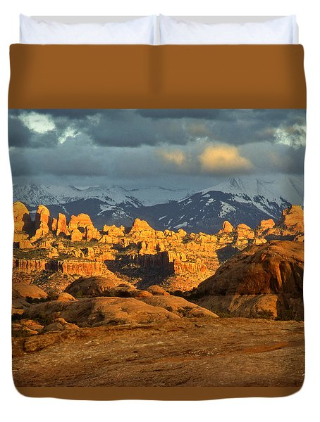 Behind The Rocks And La Sal Mountains Duvet Cover