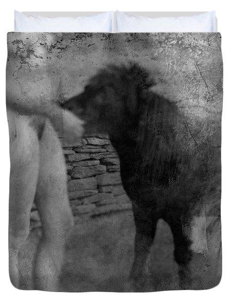 Belfast Nude With Mininature  Duvet Cover