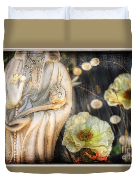Duvet Cover featuring the photograph Belfast Pearl by Craig J Satterlee