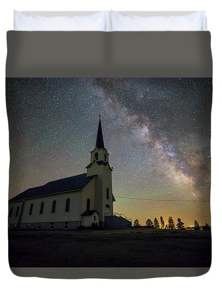 Duvet Cover featuring the photograph Belleview by Aaron J Groen