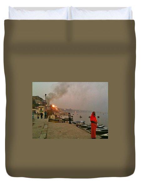 Benares Ganges River At Dusk Duvet Cover by Matt Mather