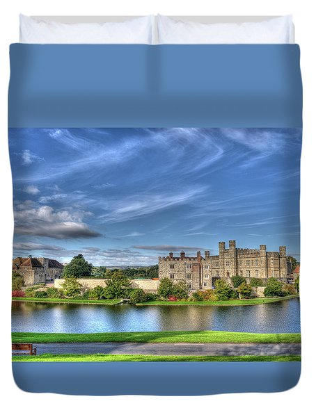 Bench View Of Leeds Castle Duvet Cover