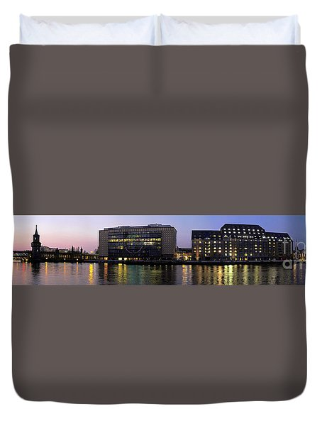 Duvet Cover featuring the photograph Berlin 360 Grad  by Juergen Held
