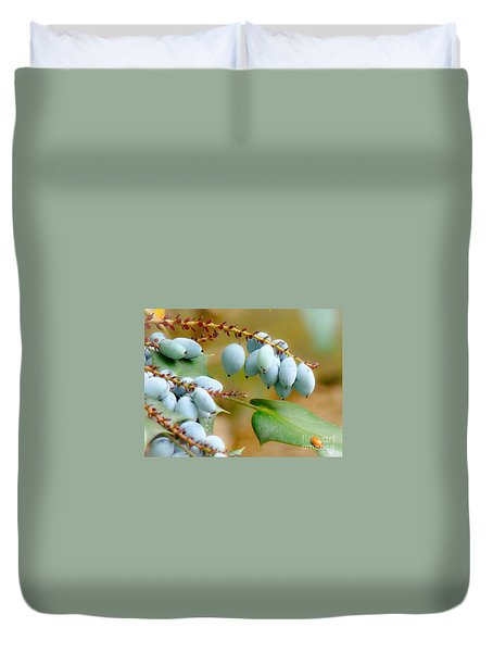 Duvet Cover featuring the photograph Berrylicious  by Rand Herron