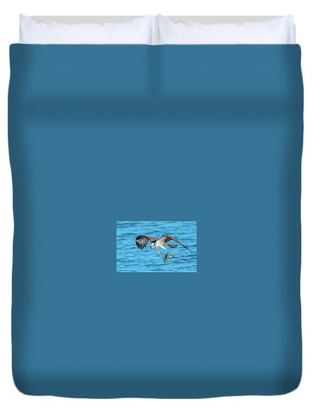 Best Osprey With Fish In One Talon Duvet Cover