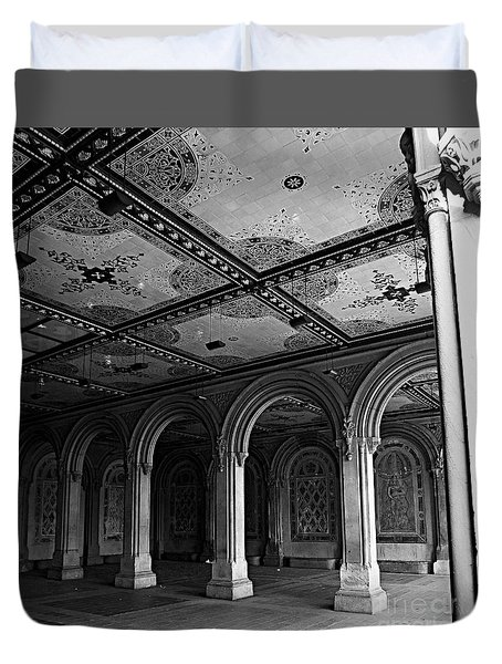 Bethesda Terrace Arcade In Central Park - Bw Duvet Cover by James Aiken