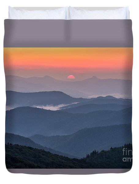 Between Hawksbill And Table Rock Duvet Cover