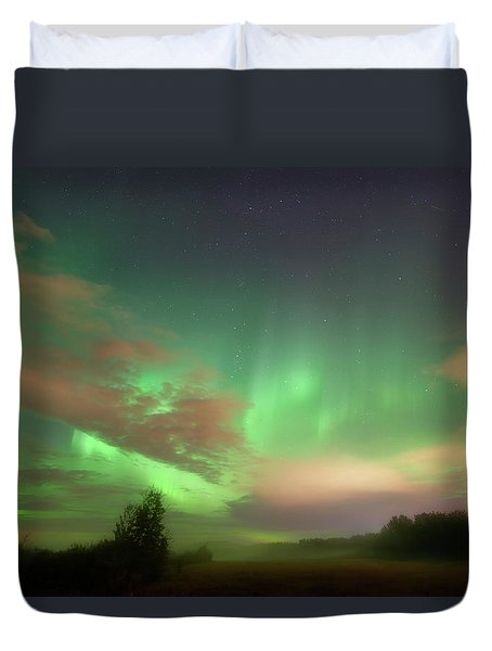 Between Heaven And Earth Duvet Cover