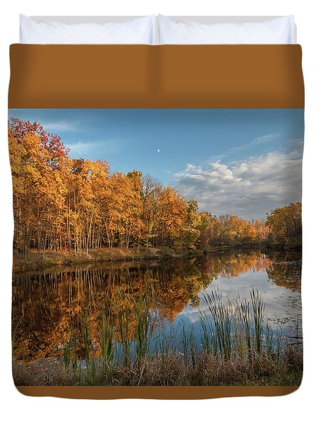 Beyer's Pond In Autumn Duvet Cover
