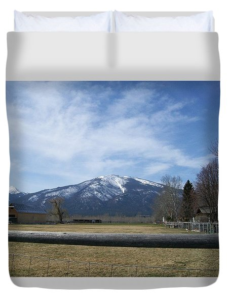 Duvet Cover featuring the photograph Beyond The Field by Jewel Hengen