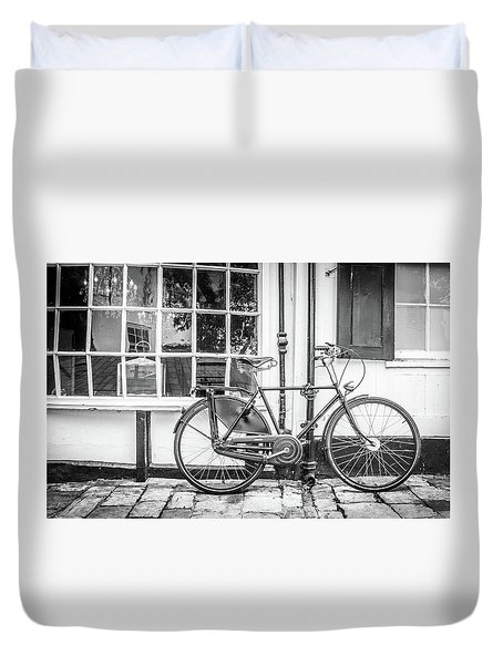 Duvet Cover featuring the photograph Bicycle. by Gary Gillette