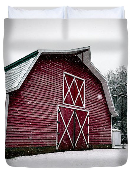 Big Red Barn In Snow Duvet Cover