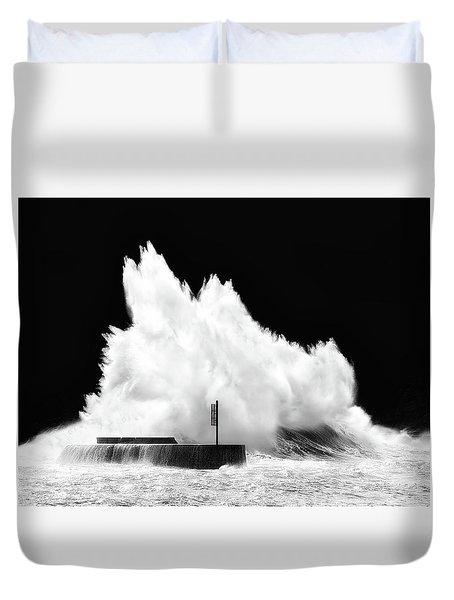 Big Wave Breaking On Breakwater Duvet Cover