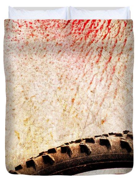 Bike Wheel Red Spray Duvet Cover