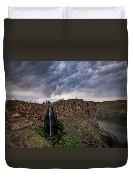 Billy Chinook Falls Duvet Cover by Cat Connor