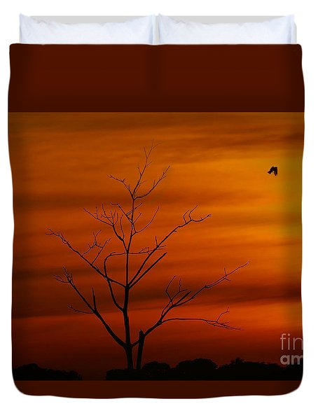 Bird At Play Duvet Cover