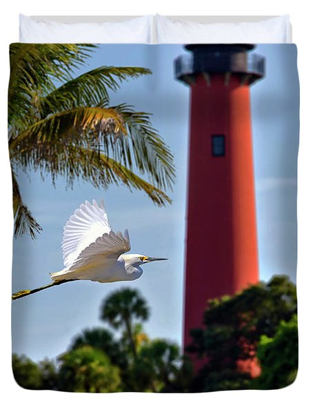 Bird In Flight Under Jupiter Lighthouse, Florida Duvet Cover