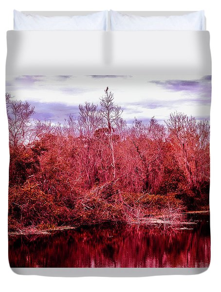 Duvet Cover featuring the photograph Bird Out On A Limb 2 by Madeline Ellis