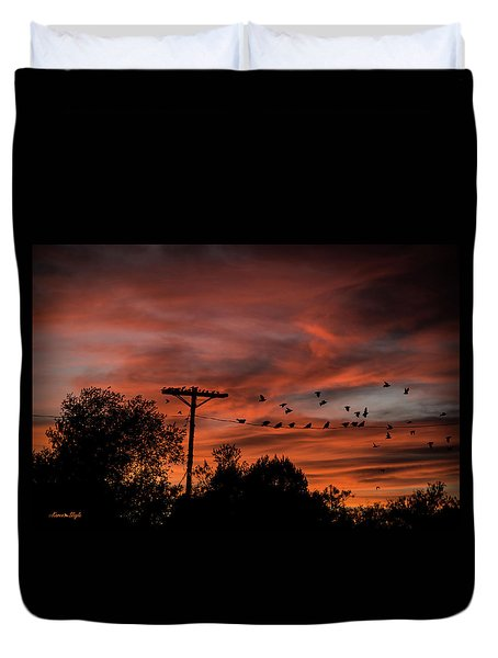 Birds And Sunset Duvet Cover