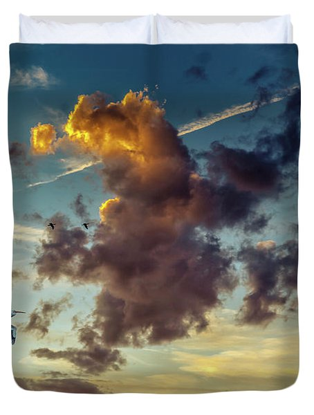 Birds In Flight At Sunset Duvet Cover