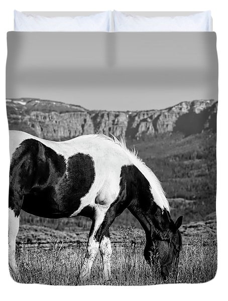 Black And White Horse Grazing In Wyoming In Black And White  Duvet Cover