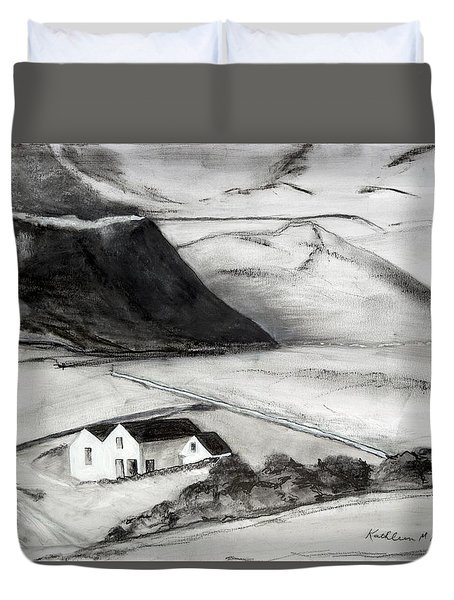 Black And White House And Hills Duvet Cover