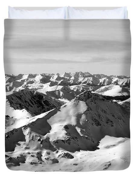Black And White Of The Summit Of Mount Elbert Colorado In Winter Duvet Cover