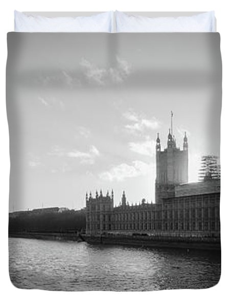 Black And White View Of Thames River And House Of Parlament From Duvet Cover