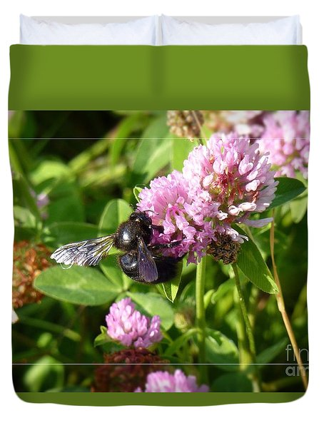 Black Bee On Small Purple Flower Duvet Cover