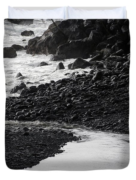 Black Lava Beach, Maui Duvet Cover