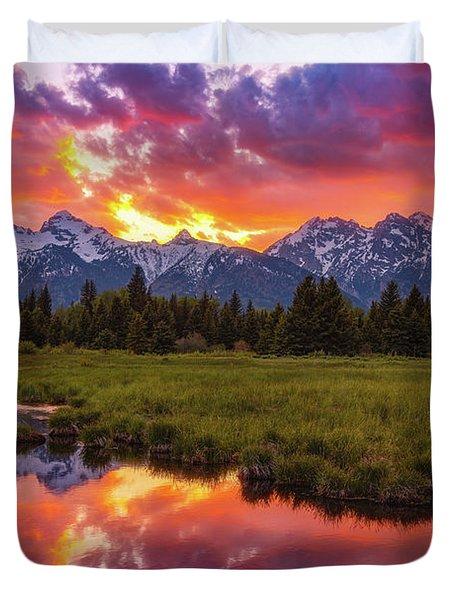 Black Ponds Sunset Duvet Cover
