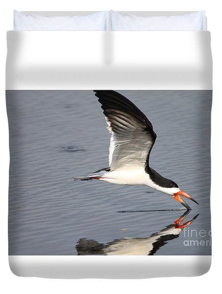 Black Skimmer And Reflection Duvet Cover