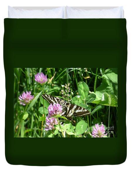 Black Swallowtail Butterfly On Flower Duvet Cover