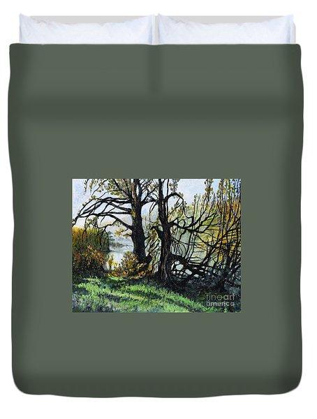 Black Trees Entanglement Duvet Cover