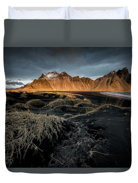 Duvet Cover featuring the photograph Blackbeach And Vestrahorn by Allen Biedrzycki