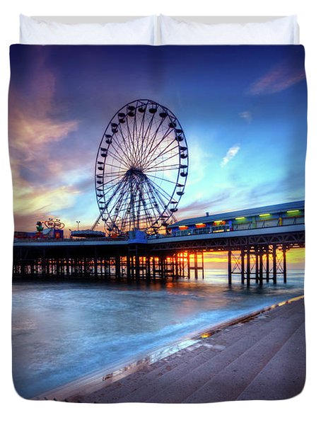 Duvet Cover featuring the photograph Blackpool Pier Sunset by Yhun Suarez
