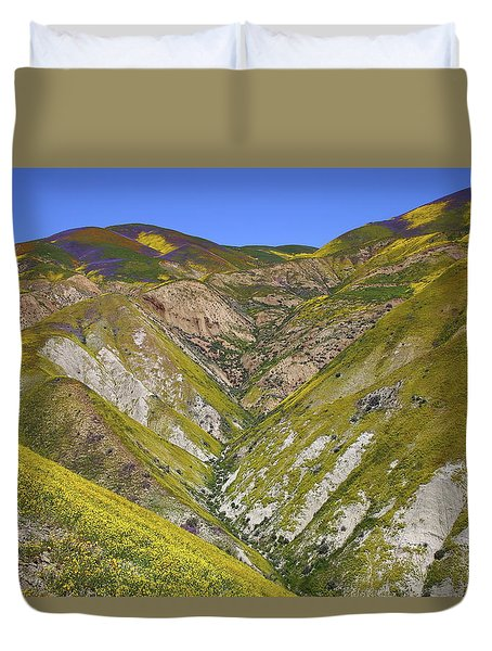 Blanket Of Wildflowers Cover The Temblor Range At Carrizo Plain National Monument Duvet Cover