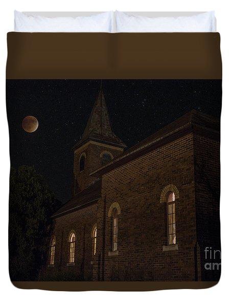 Blood Moon Over St. Johns Church Duvet Cover