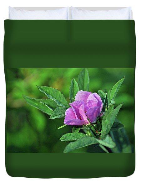 Duvet Cover featuring the photograph Bloomin by Glenn Gordon